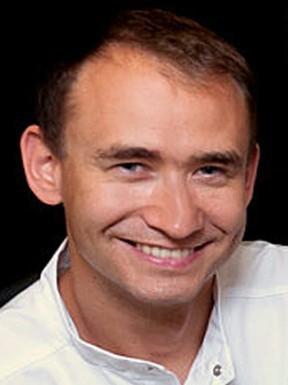 Jacek Żurek - lek-dent-jacek-zurek-stomatolog-periodontolog_13883_h400